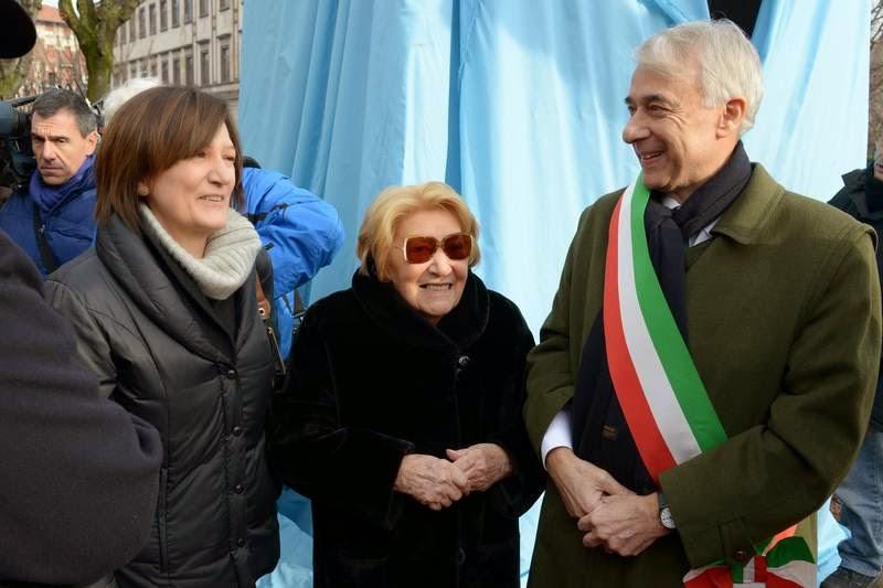 Cristina e Lydia Franceschi con Giuliano Pisapia