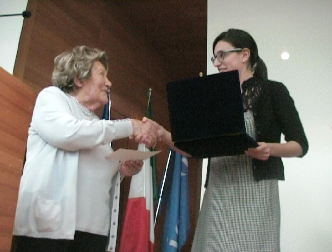 Lydia Franceschi premia Susanna Parravicini