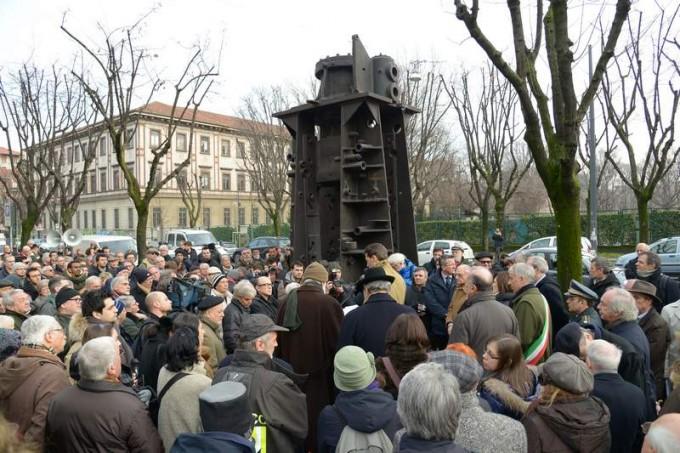 23 gennaio 2013 inaugurazione del monumento a Roberto Franceschi