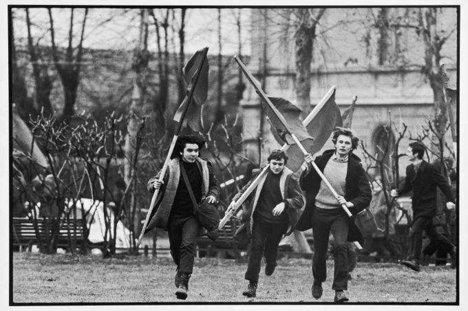 Uliano Lucas Milano 1972 - In Piazza Accursio