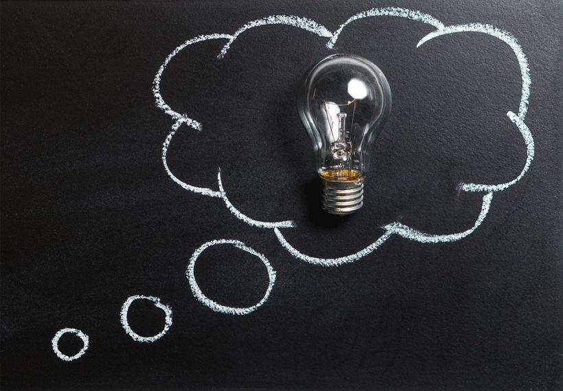 pensiero lampadina idea