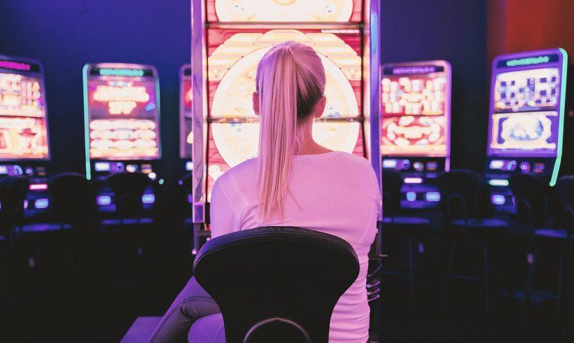Giocatori d'azzardo: osservarli in azione per predire il rischio di dipendenza