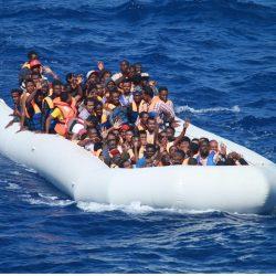 """""""Muselakwakaba – Colui che si sposta"""" un progetto didattico-teatrale sulle rotte dei migranti – Giornata in ricordo di Roberto Franceschi: dalla memoria un progetto per il futuro"""