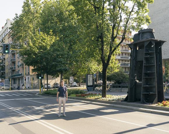 Samuele Davide Molli – Lo spazio e il tempo delle religioni migranti | 28 agosto 2020 Piazza Santo Stefano, Milano