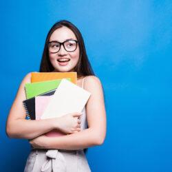 Borse di studio per studentesse delle classi quinte delle scuole superiori